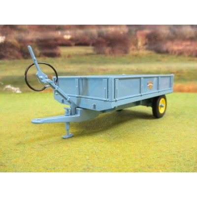 UNIVERSAL HOBBIES 1:32 CLASSIC WEEKS POPULAR 3 TON TIPPING TRAILER