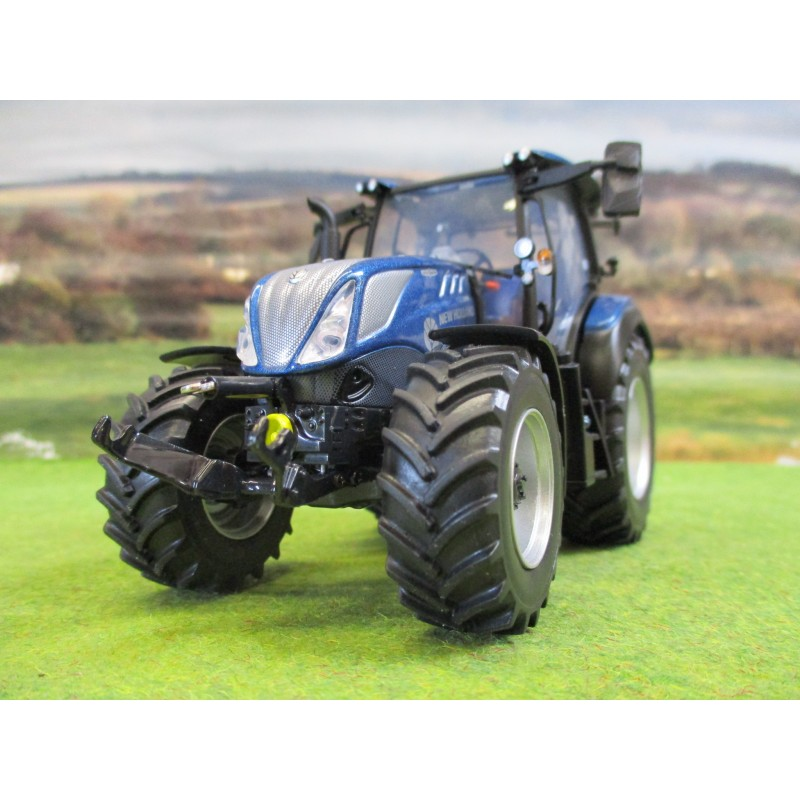 UNIVERSAL HOBBIES 1:32 NEW HOLLAND T5.140 BLUE POWER LOW ROOF TRACTOR