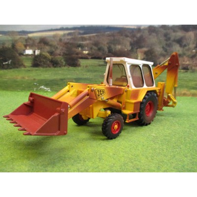 "BRITAINS 1:32 ""RUSTY"" JCB 3C MARK 3 BACKHOE EXCAVATOR"