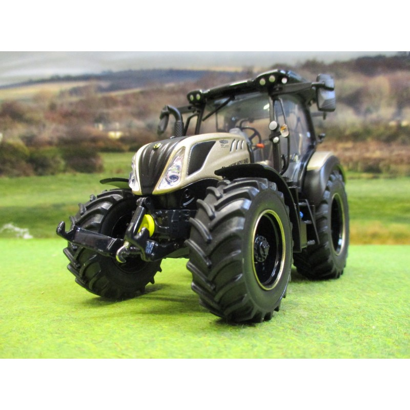 UNIVERSAL HOBBIES 1:32 NEW HOLLAND T5.140 TRACTOR GOLD 50th ANNIVERSARY