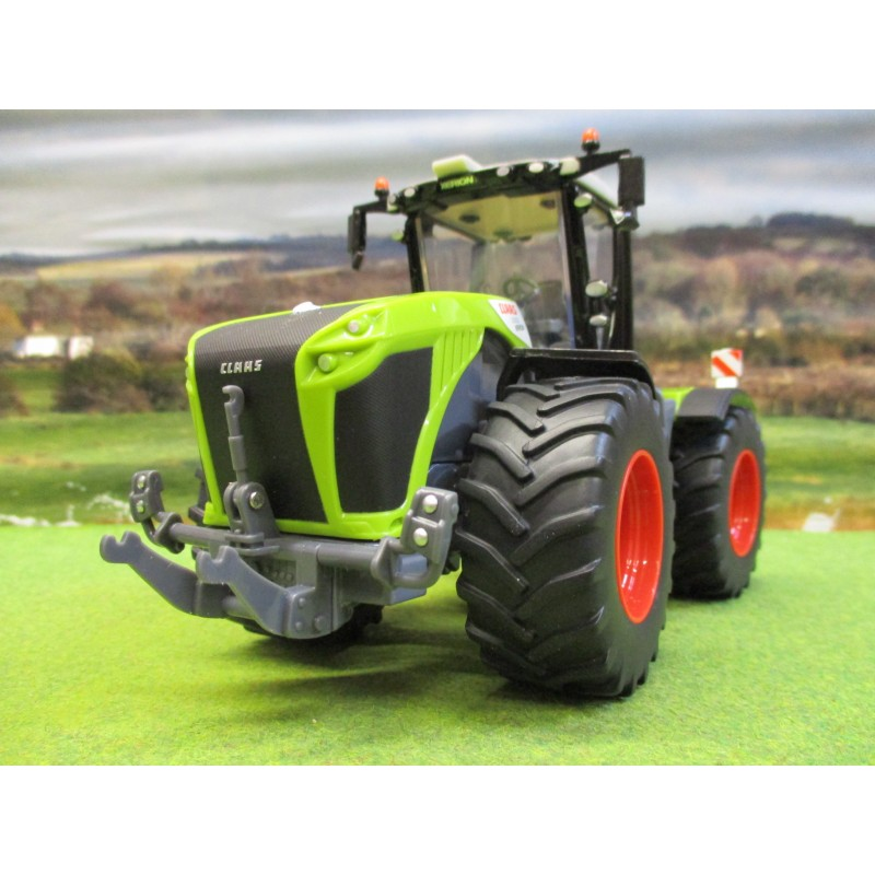 BRITAINS 1:32 CLAAS XERION 5000 TRACTOR