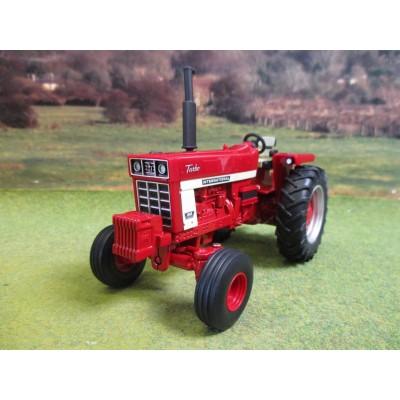 BRITAINS PRESTIGE 1:32 INTERNATIONAL FARMALL 1066 2WD TRACTOR
