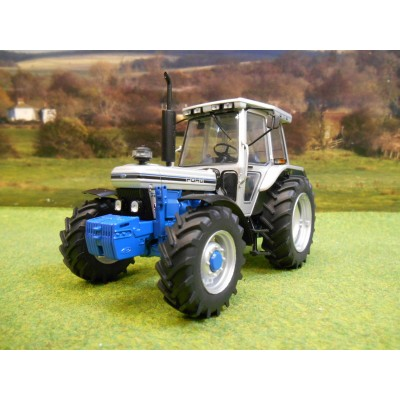 UNIVERSAL HOBBIES 1:32 FORD 7810 SILVER JUBILEE 4WD TRACTOR