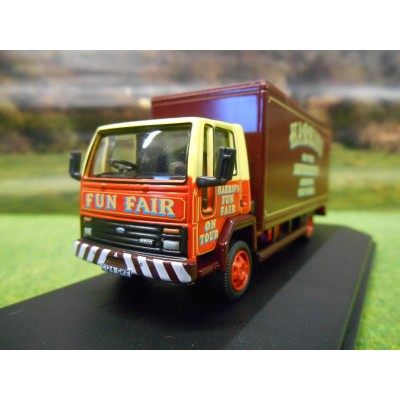 OXFORD 1:76 FORD CARGO BOX LORRY HARRIS FUN FAIR AMUSEMENTS