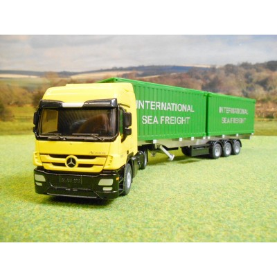 SIKU 1:50 MERCEDES ACTROS 2048 & TRIAXLE SKELETAL CONTAINER TRAILER