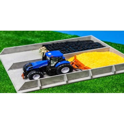KIDS GLOBE 1:32 WOODEN SILAGE CLAMP