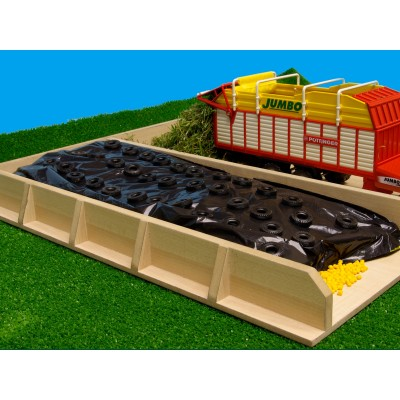 KIDS GLOBE 1:32 SILAGE CLAMP SHEET (60 X 50CM) & 50 TYRES