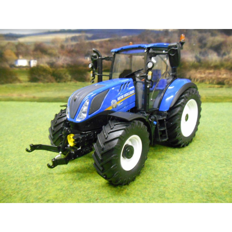UNIVERSAL HOBBIES 1:32 NEW HOLLAND T5.120 4WD TRACTOR